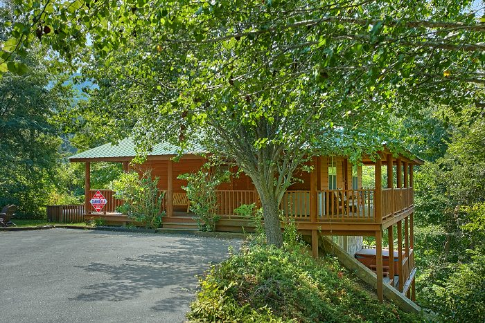 Secluded 2 Bedroom Cabin with Flat Parking Area - 2 Tranquil 4 Words