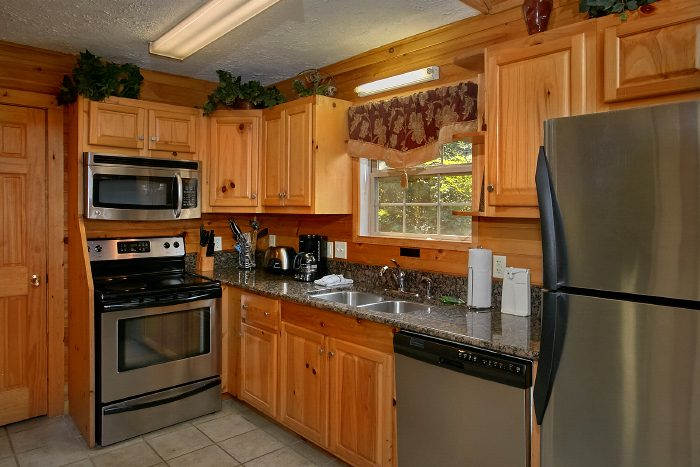 Luxury 2 Bedroom Cabin rental with Full Kitchen - 2 Tranquil 4 Words