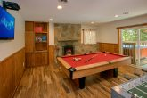 Cabin with 3 Fireplaces and Pool Table