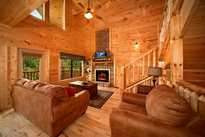 Cozy 3 Bedroom Cabin with Fireplace - 5 O'Clock Somewhere