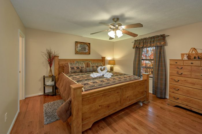 2 Bedroom Cabin Both on Main Floor - A Bear Trax