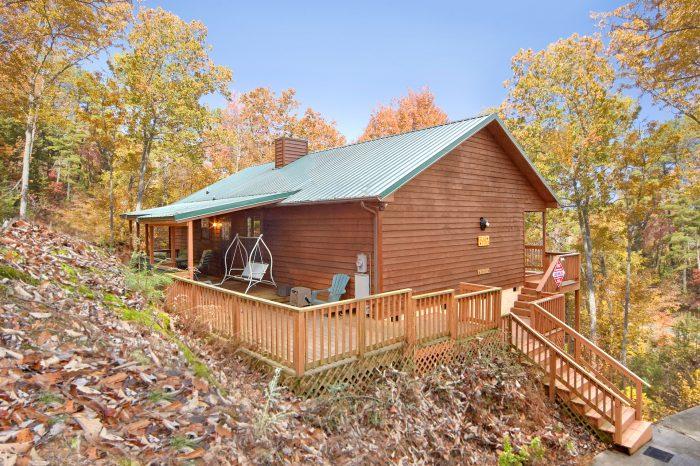 2 Bedroom Cabin Sleeps 6 All on 1 Floor - A Bear Trax