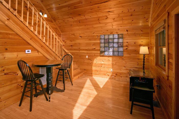 1 Bedroom Cabin Luxury Furnished - A Bears Gatlinburg Den
