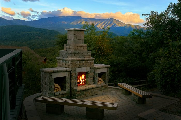 Luxury Cabin with an Outdoor Fireplace and View - A Castle in the Clouds