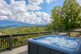 Premium Cabin with Mountain Views and Hot Tub