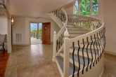 Luxurious Vacation rental with Spiral Staircase