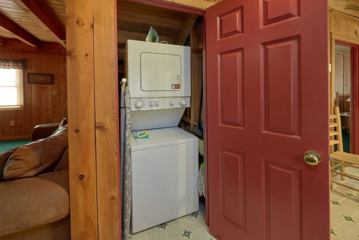 Washer and Dryer 2 Bedroom Cabin - A Creekside Retreat