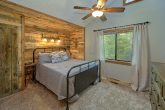Rustic cabin with 4 bedrooms and private baths