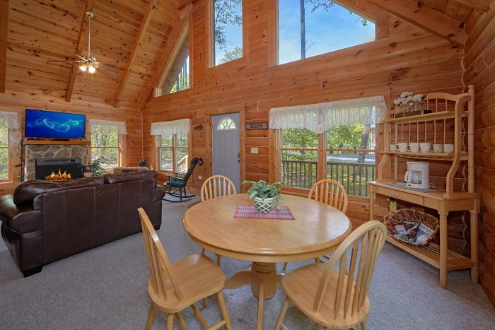 Rustic 1 Bedroom Cabin with Dining Room for 4 - A Gift From Heaven