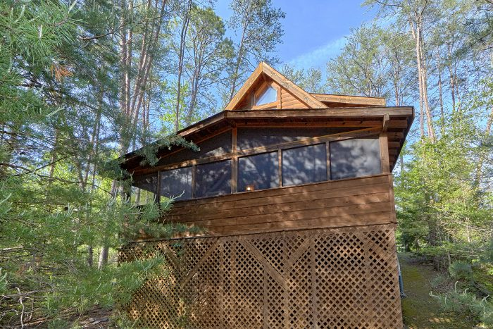 Secluded 1 Bedroom Cabin with Screened Porch - A Gift From Heaven