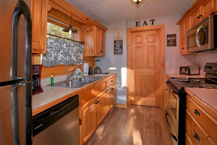 3 Bedroom Cabin with Fully Equipped Kitchen - A Grand Getaway