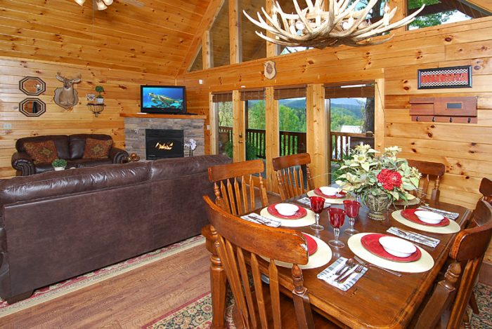 Spacious Cabin with 3 King Beds - A Grand Getaway