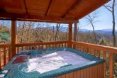 3 Bedroom Cabin with Hot Tub and Views
