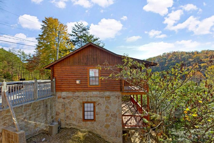 Smoky mountain cabin rentals 2 bedroom cabin rental a for Gatlinburg dollywood cabins