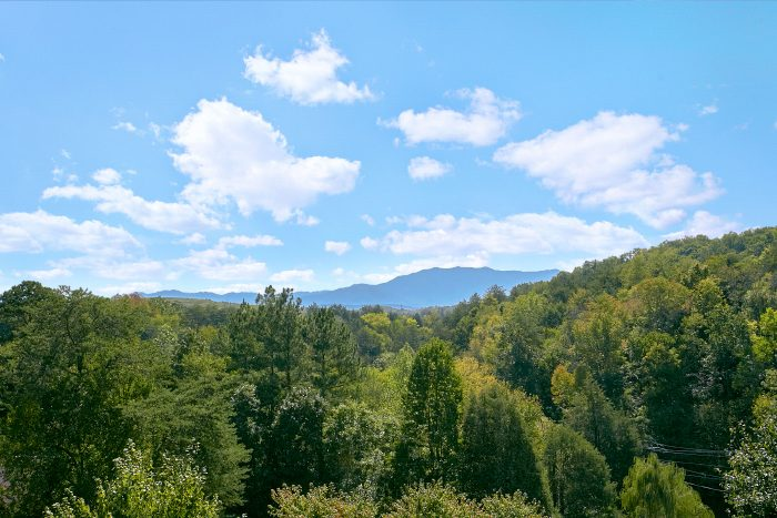 Pigeon Forge cabin with View of the Mountains - A Little Bit Of Heaven