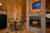 1 Bedroom Cabin with Fireplace and Dining Area