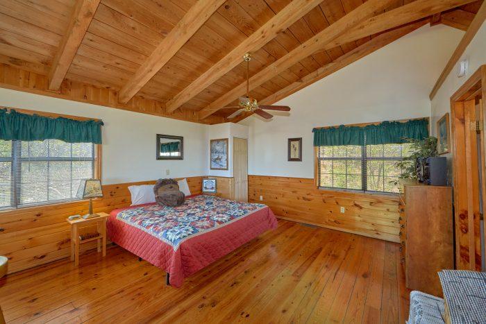 1 Bedroom 2 Bath 2 Story Cabin Sleeps 6 - A Mountain Haven