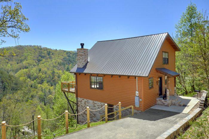 1 Bedroom 2 Story Cabin sleeps 6 - A Mountain Haven