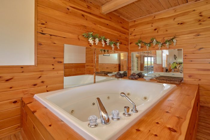 Whirlpool Tub in Loft Bath - A Mountain Haven