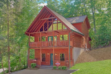 Bears Den 2: 5 Bedroom Gatlinburg Cabin Rental