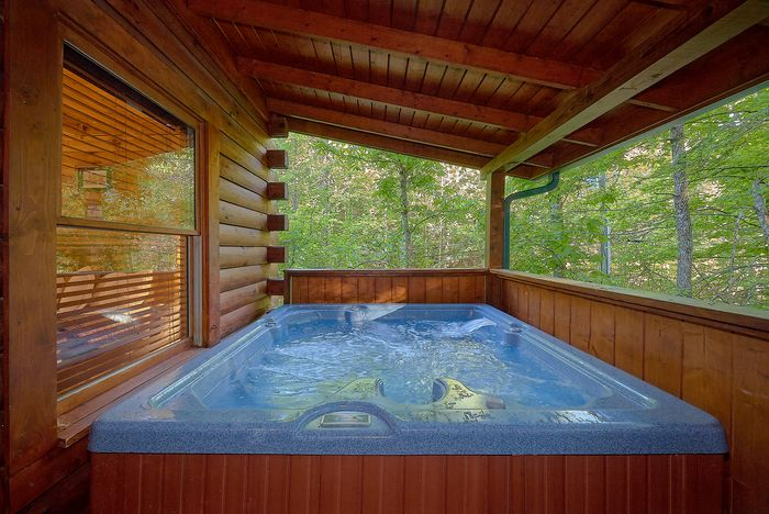 Cabin with Hot Tub - A Mountain Lodge