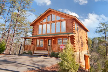 Mountain Majesty: 4 Bedroom Sevierville Cabin Rental