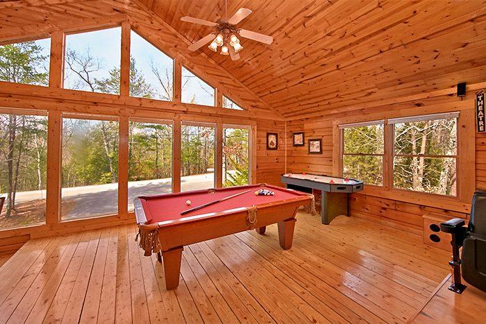 Smoky Mountain Premium Cabin with Game Room - A Mountain Paradise