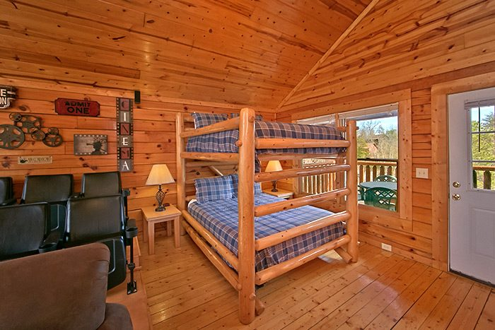 Cabin with Queen Bunk Beds - A Mountain Paradise