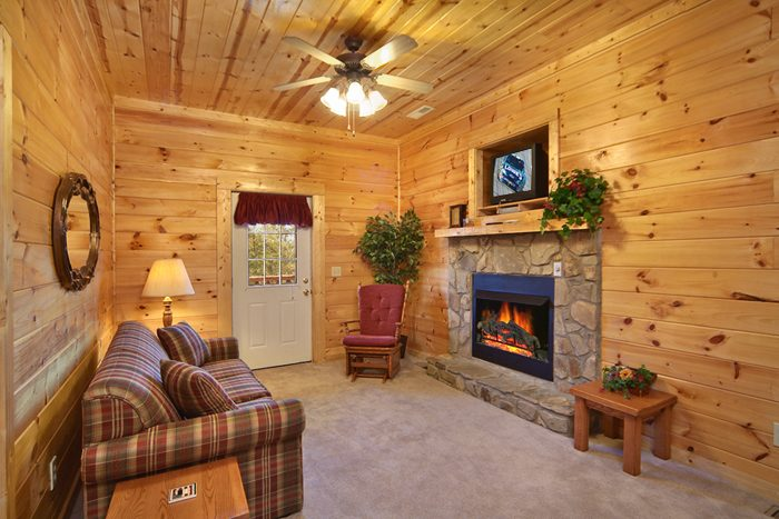 Premium Cabin with 2 Fireplaces and Sleeper Sofa - A Mountain Paradise