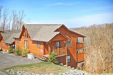 4 Bedroom Cabins in Gatlinburg, TN in the Smoky Mountains