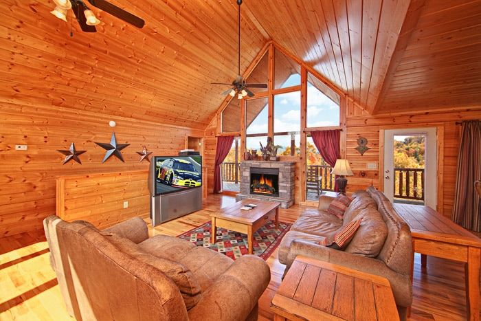 Beautiful cabin with Living Room - A Peaceful Easy Feeling