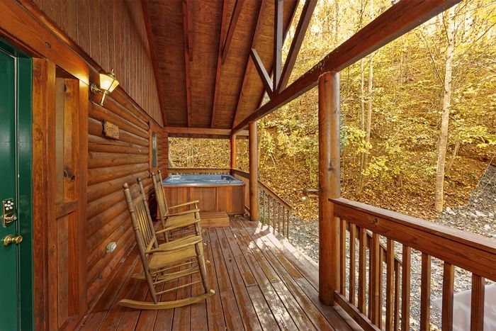 Great smoky mountains cabins tennessee honeymoon cabin for Cabin rentals near smoky mountains
