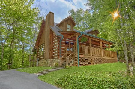 Country Comfort: 2 Bedroom Pigeon Forge Cabin Rental