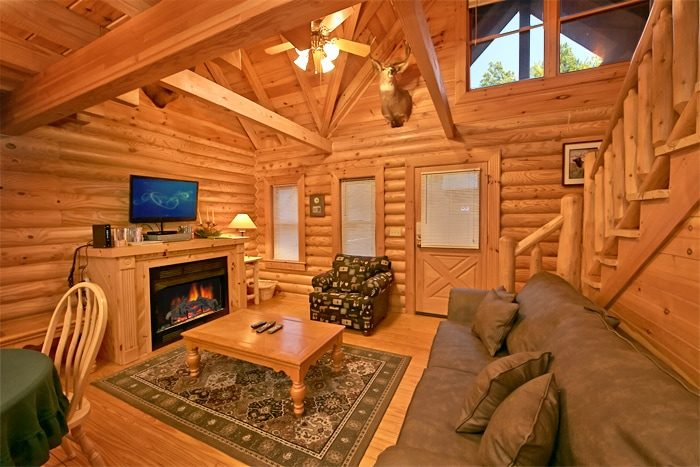2 bedroom cabin with fireplace and WIFI - A Rocky Top Memory