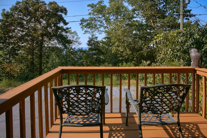 Cabin with Master Suite with Private Deck - A Ruff Life