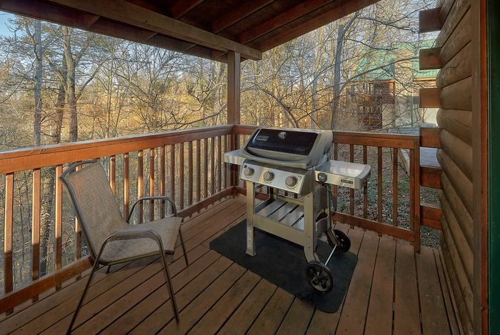 Cabin with Hot Tub - A Smoky Mountain Experience