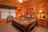 Cabin with Cozy King Bed & Electric FIreplace