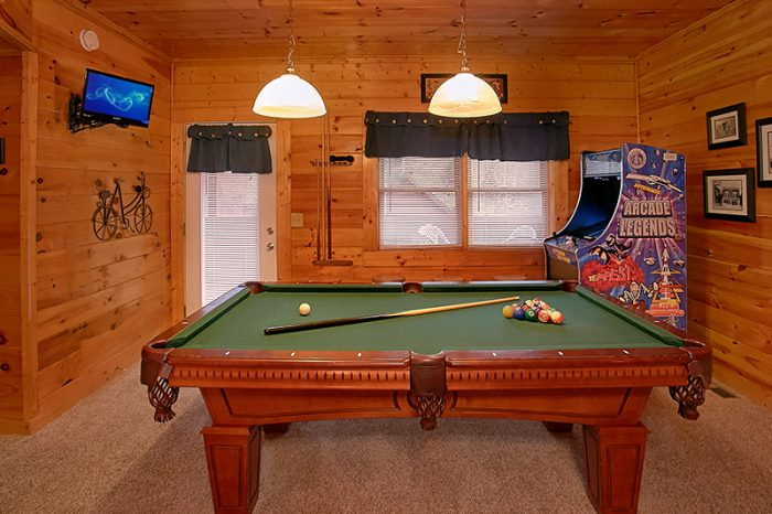 Premium Cabin with Pool Table & Arcade Game - A Smoky Mountain Jewel