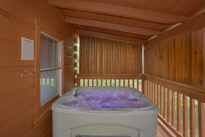 Private Hot Tub - A Stones Throw