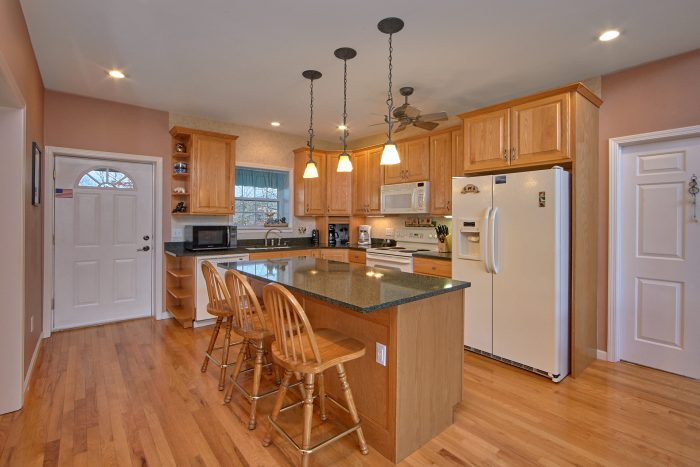 Luxurious Full Kitchen 5 Bedroom Sleeps 12 - A View For All Seasons