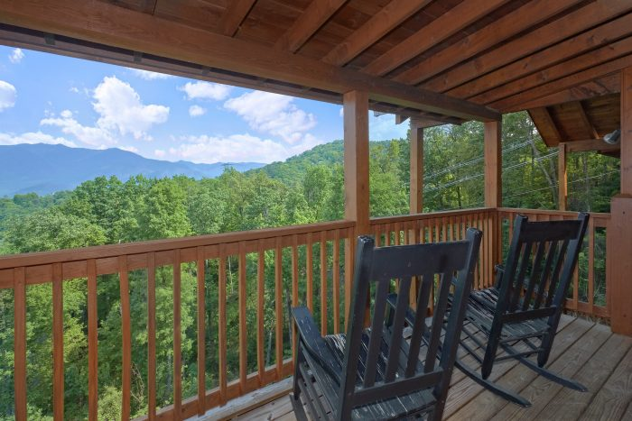 Gatlinburg 5 Bedroom Cabin with Open Kitchen - A View From Above