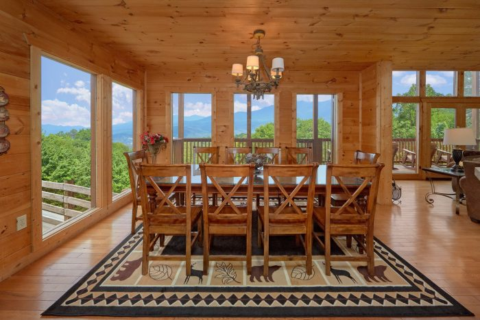 5 Bedroom Cabin with A Dining Room Table - A View From Above