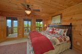 5 Bedroom Cabin with Fireplace in Bedroom