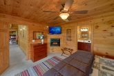 5 Bedroom Cabin with In-Suite Fireplace
