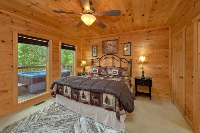 Luxury Cabin with 4 King beds and 5 Fireplaces - A View From Above
