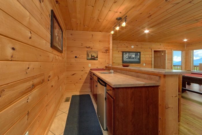5 Bedroom cabin with bar and fridge in game room - A View From Above