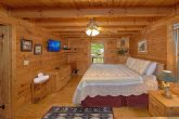 2 Bedroom Cabin with Private King Bedroom