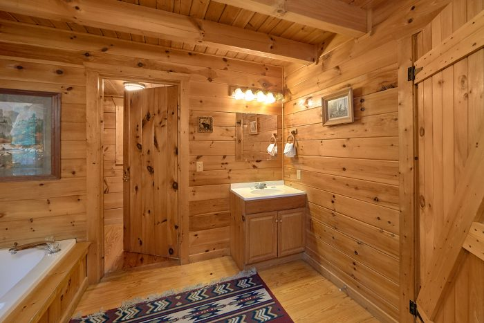 Rustic Cabin with Private Bath in Master Bedroom - A Woodland Hideaway