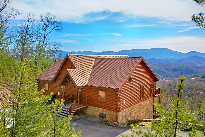 enormous to the interior big cheap rentals pigeon one art gatlinburg with bear cabin forge regard tennessee yellow in bedroom cabins wall