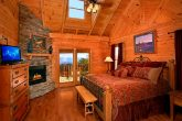 Luxurious Cabin with fireplace in Master Suite